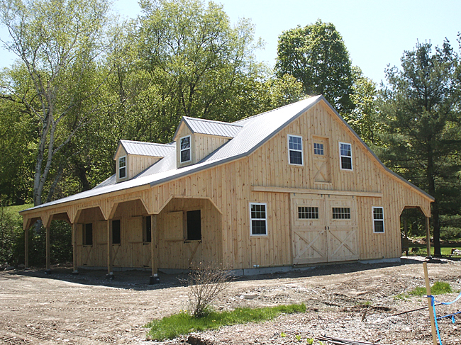 Horse Barn Stable With Living Quarters
